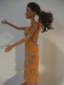 Barbie im Kleid